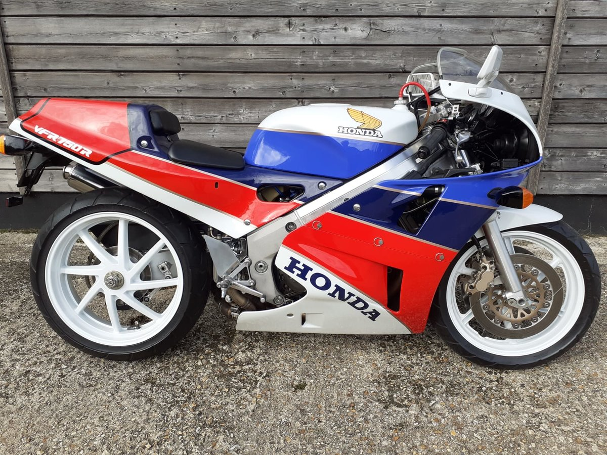 1989 Honda RC30 Real Deal - UK BIKE-Original 1473 Miles For Sale (picture 1 of 6)