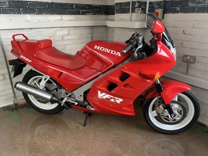 Picture of 1990 HONDA VFR750 750F