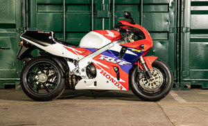 Picture of 1996 Honda RVF750R Type RC45 For Sale by Auction