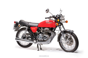 Honda CB400 RED ... Always the fastest colour