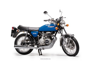 Honda CB400 Blue is the colour