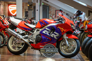 Picture of 1998 Honda CBR900RR Fireblade two owners, only 6,500 miles For Sale