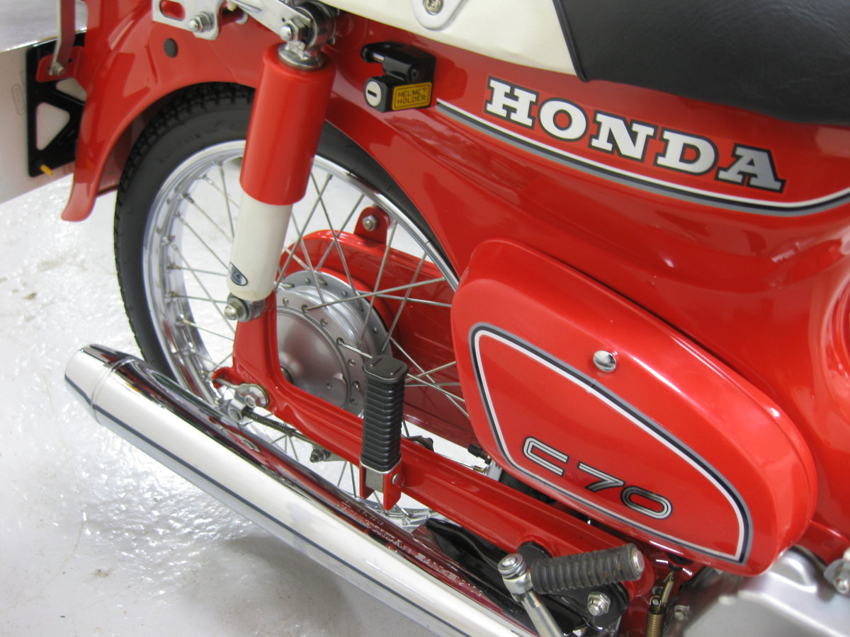 1982 Honda C70C in show condition For Sale (picture 5 of 8)