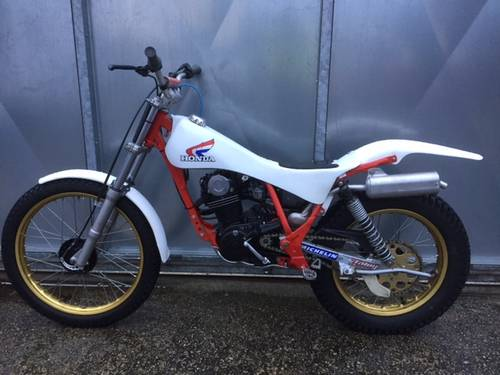 1985 HONDA TLR 200 TWIN SHOCK TRIALS CRACKING TRICK BIKE £3695 For Sale (picture 1 of 4)