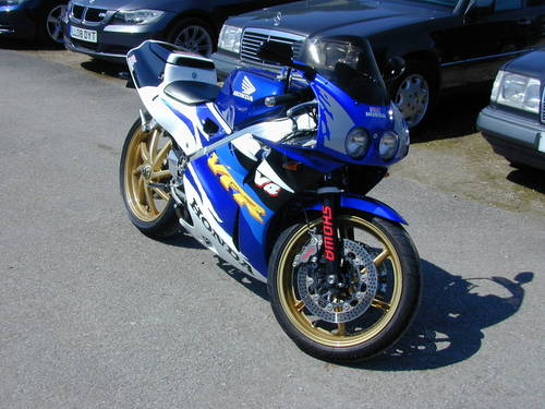 1990 HONDA VFR400 NC30 - EXCEPTIONAL! For Sale (picture 1 of 6)