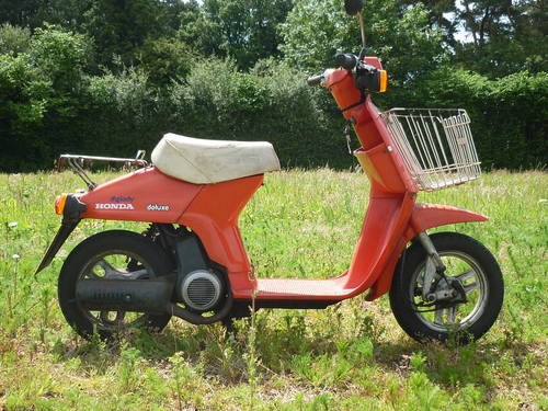 1985 classic honda melody deluxe moped scooter sold car. Black Bedroom Furniture Sets. Home Design Ideas