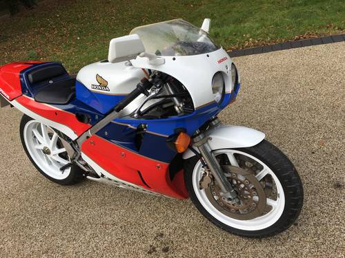 1988 RC30 UK bike SOLD (picture 3 of 6)