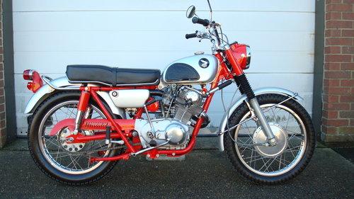 Honda CL77 SCRAMBLER 305 1966-D **6711 MILES** SOLD (picture 1 of 6)