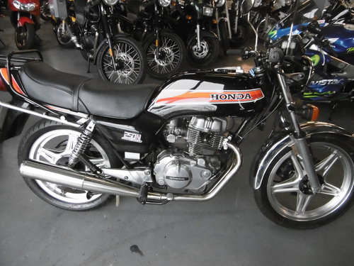 1979 Honda CB250 Superdream Very Smart  SOLD (picture 1 of 6)