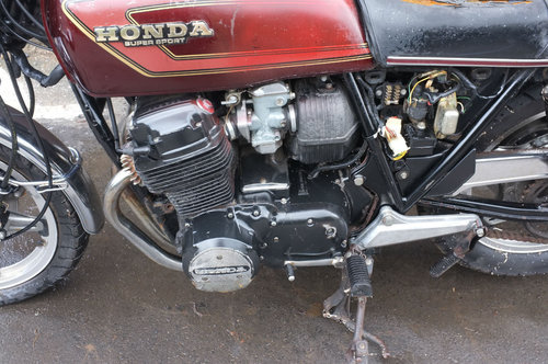 2500 Honda CB750 CB 750 F2 1977 BARN FIND Project, ride or restor SOLD (picture 4 of 6)