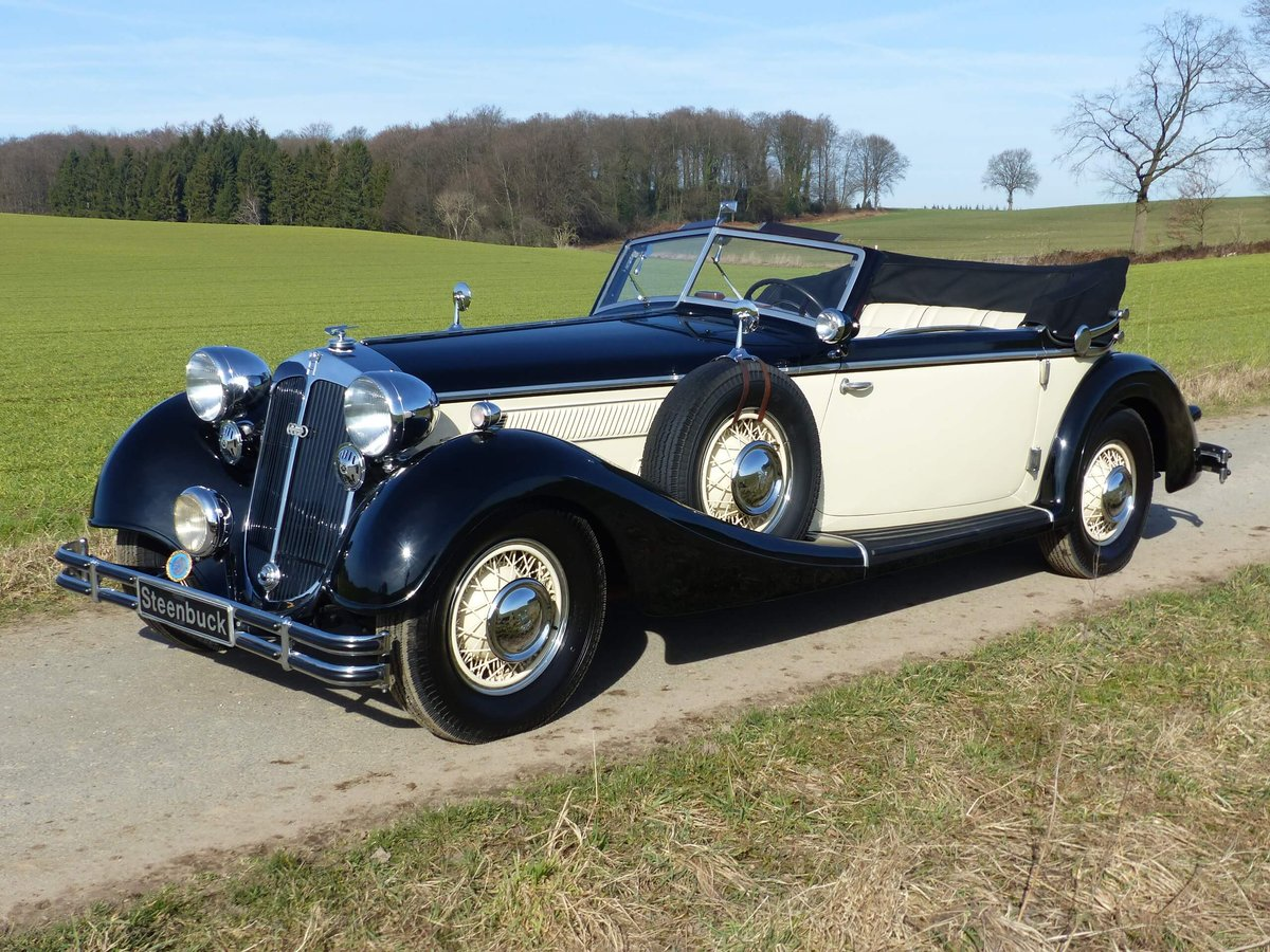 1937 Convertible with maximum smartness For Sale (picture 1 of 6)