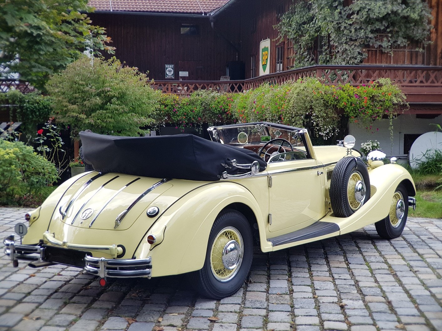 1936 Horch 853 Sport Cabriolet, one of 4 RHD examples! For Sale (picture 2 of 6)