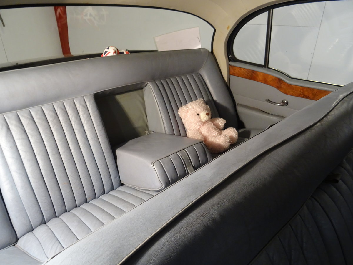 1961 Humber Super Snipe Series III For Sale (picture 4 of 6)
