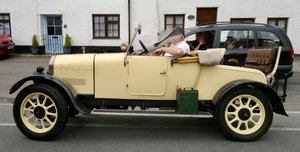 LOT 6: A 1926 Humber 9/20 two seat Tourer - 03/11/19