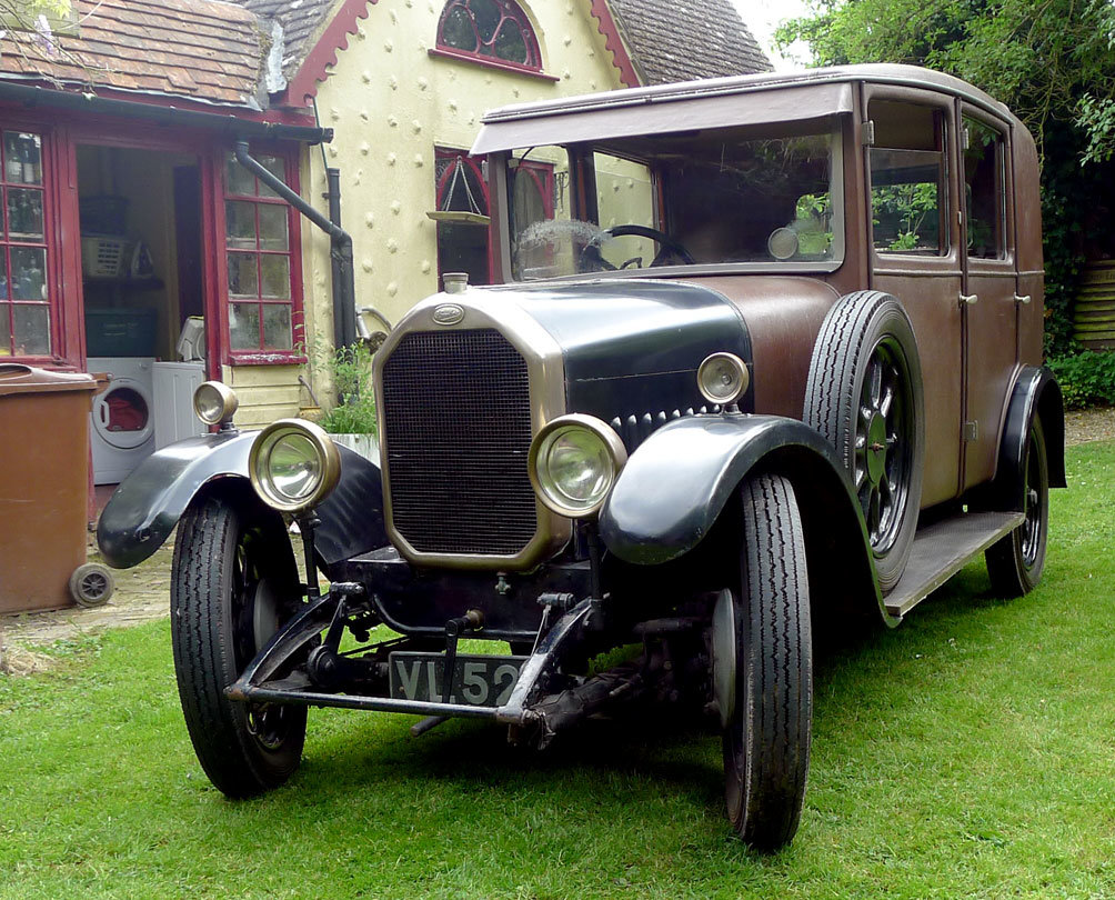 1928 Humber saloon  For Sale (picture 1 of 6)