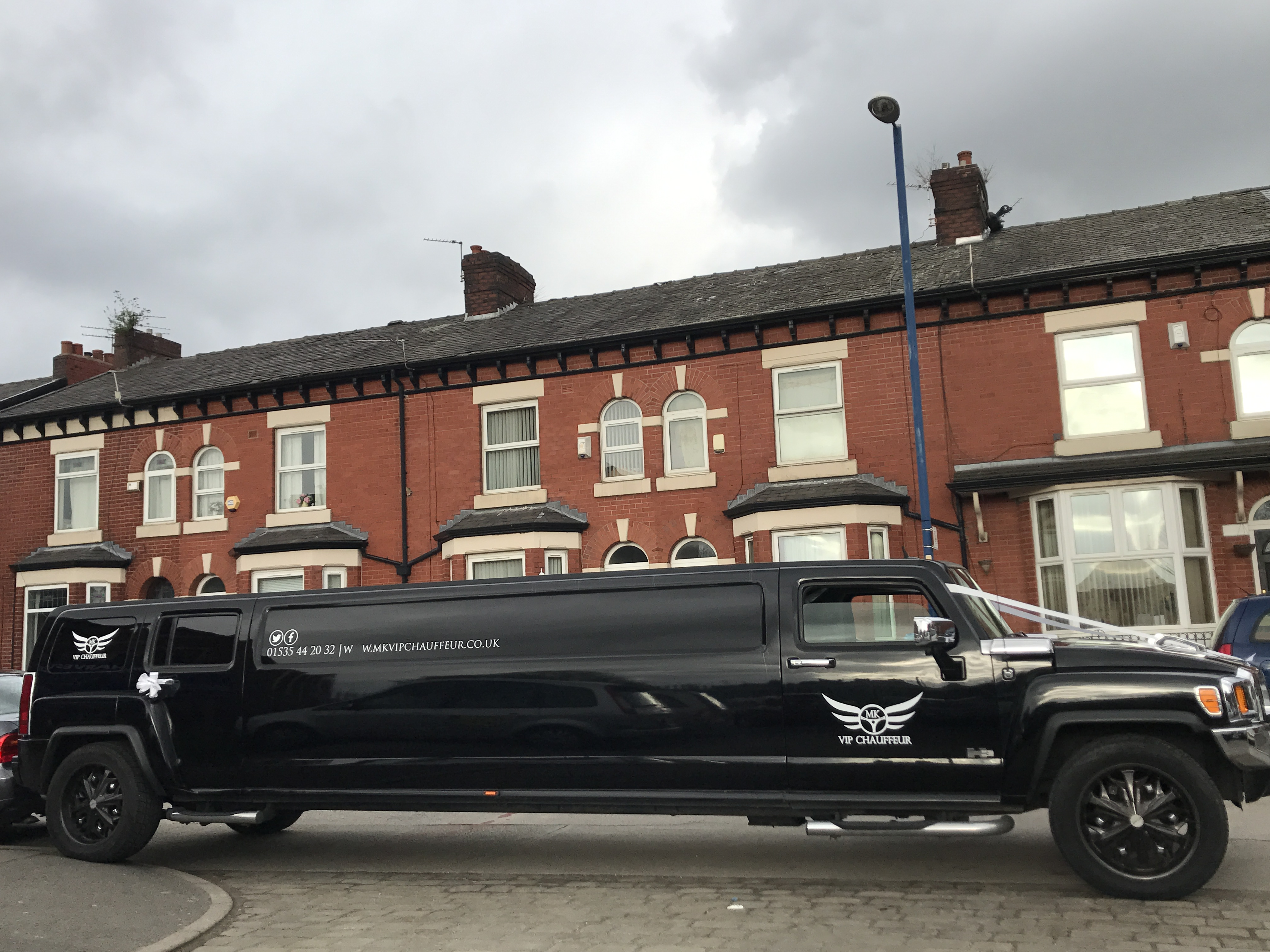 Hummer H3 8 seater Limousine