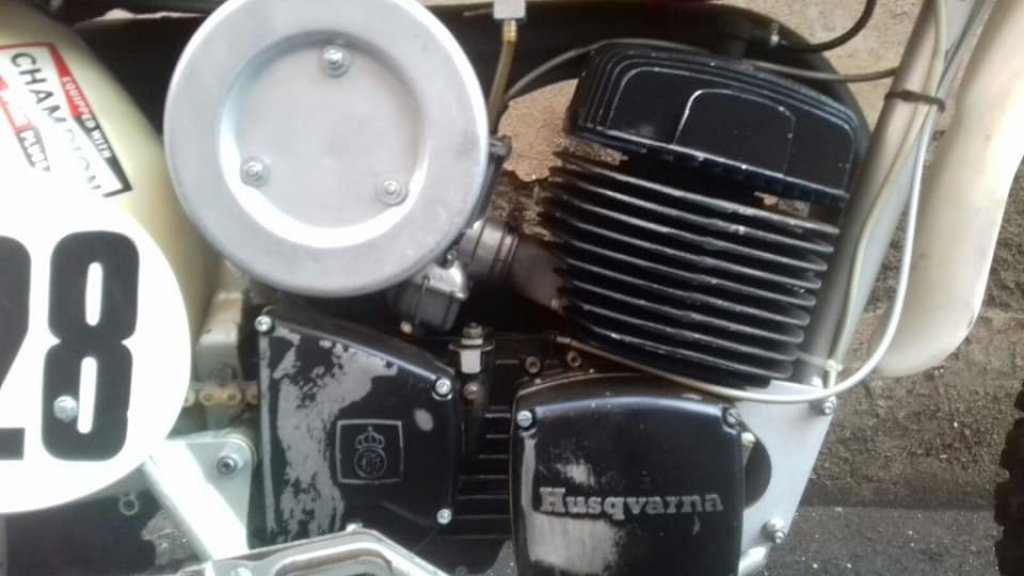 HUSQVARNA CR 400 1974, NEVER RESTORED INCREDIBLE PATINA For Sale (picture 4 of 6)