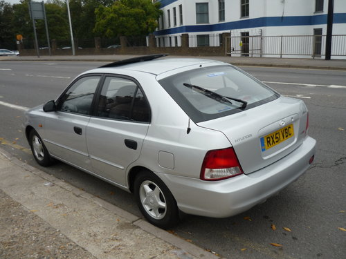 Accent 1.5 CDX 5dr  AUTO  SOLD (picture 4 of 6)