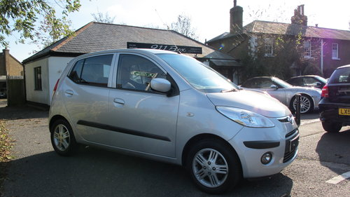 2010 Hyundai i10 Comfort 1.2 Automatic 5 Dr With Air-Conditioning For Sale (picture 1 of 6)