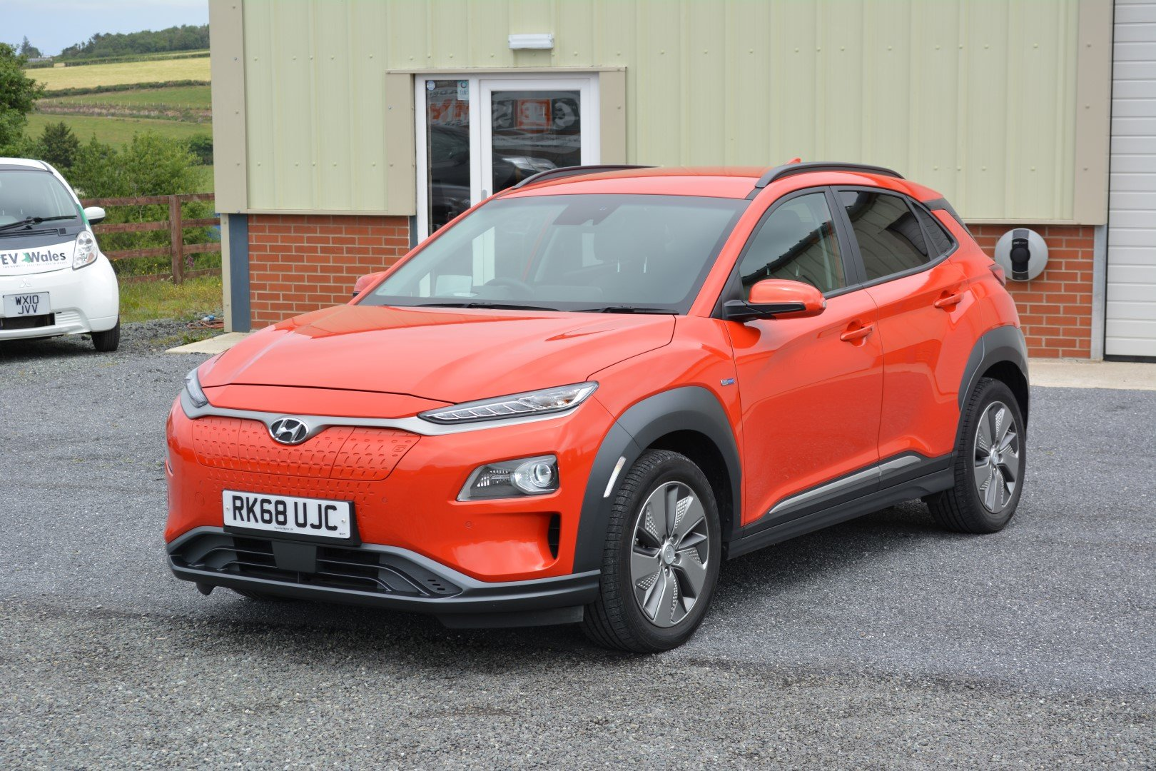2018 Hyundai Kona Fully Electric - Massive 279 mile range! For Sale (picture 1 of 6)