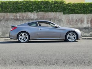 Picture of 2012 Hyundai Genesis Coupe 2.0 T Premium