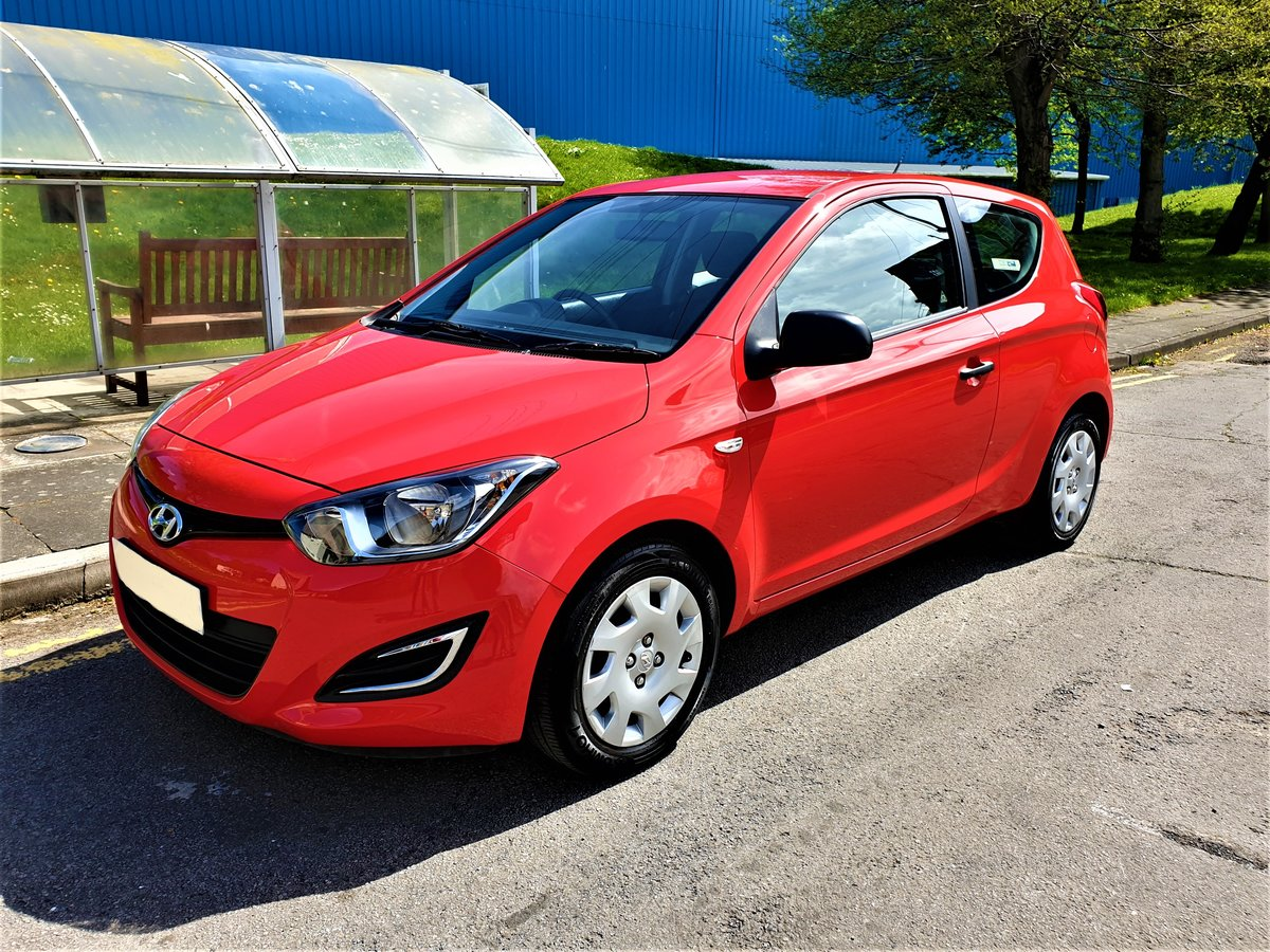 2014 63 REG HYUNDAI i20 WOW ONLY 19,500 MLS FSH £30 YR TAX For Sale (picture 1 of 6)