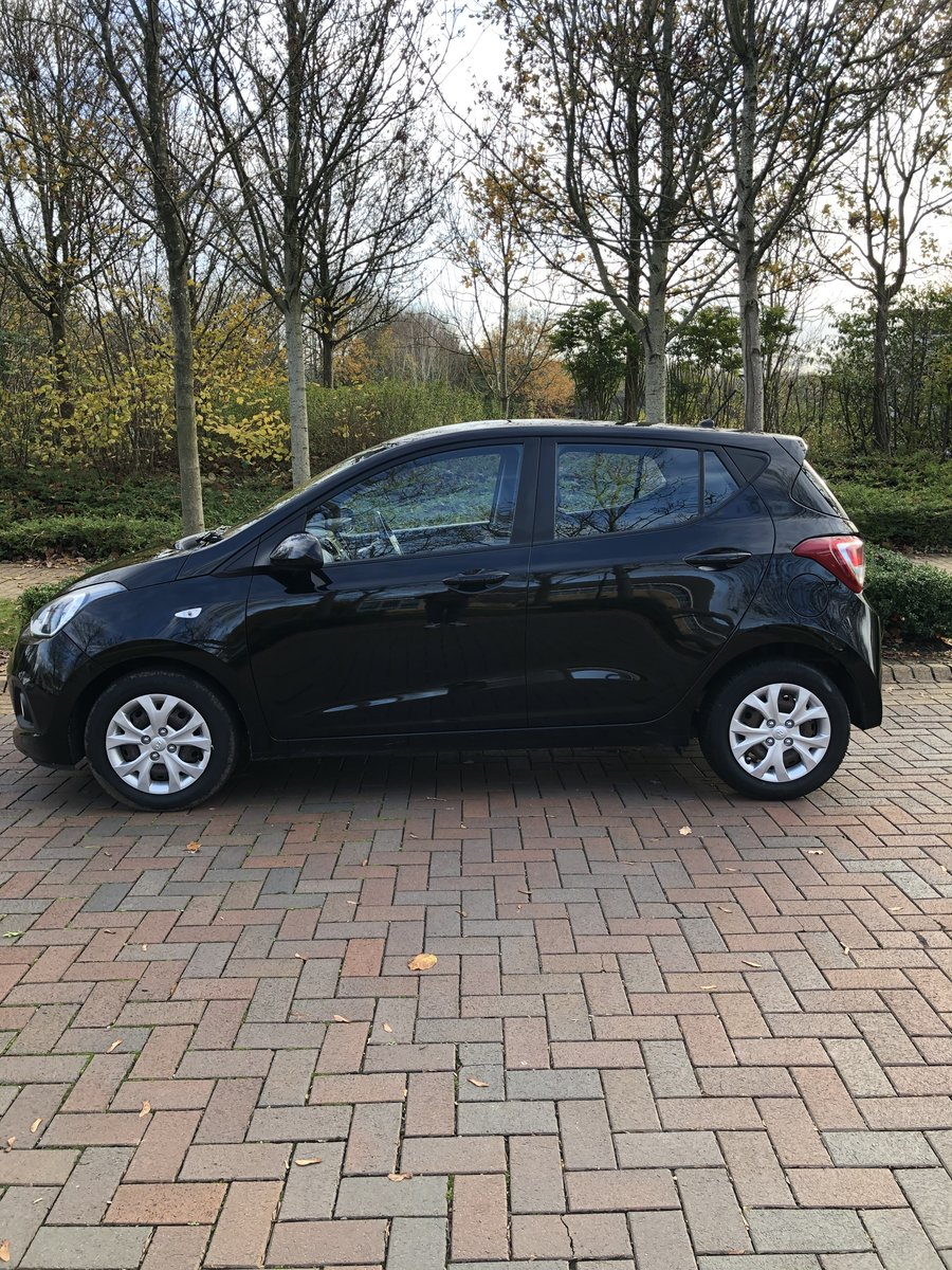 2014 Hyundai i10 se.. low miles.. 1 lady owner SOLD (picture 3 of 9)