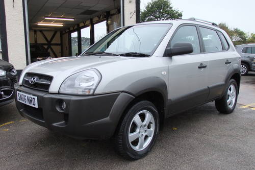 2006 HYUNDAI TUCSON 2.0 GSI DRTD 4WD 5DR SOLD (picture 1 of 6)