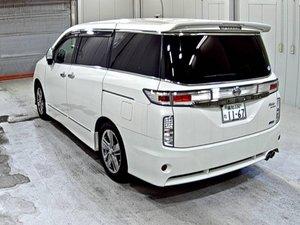 Nissan elgrand 3.5 newshape huge spec