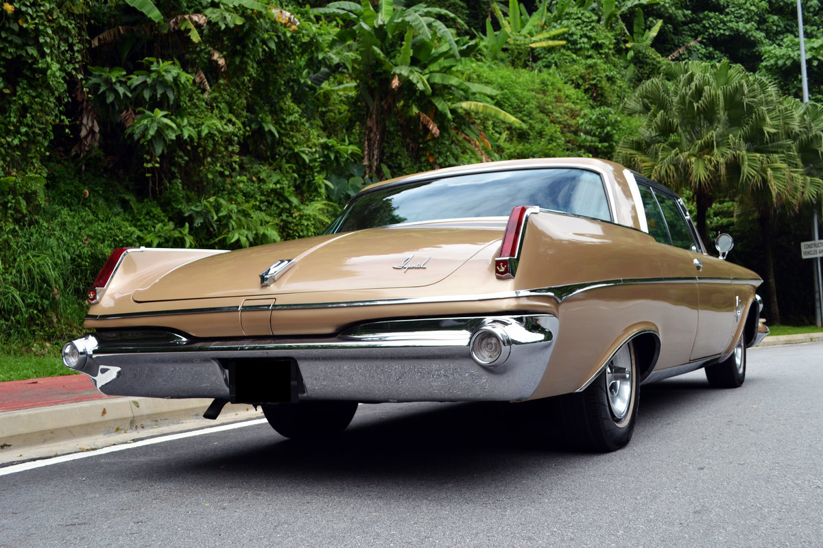 Chrysler Imperial Custom Southampton Two-Door 1963 For Sale (picture 2 of 6)