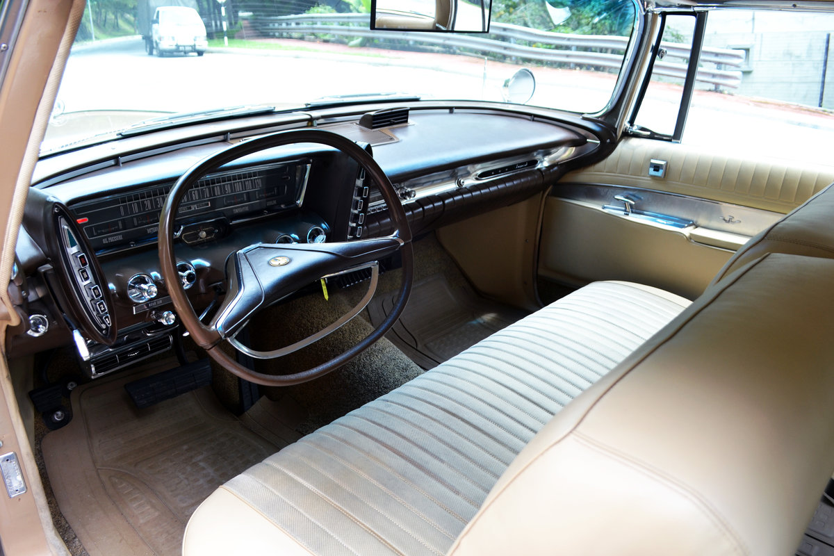 Chrysler Imperial Custom Southampton Two-Door 1963 For Sale (picture 4 of 6)