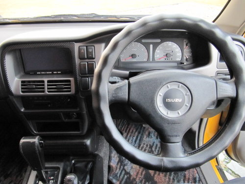 1988  ISUZU VEHICROSS 4X4 TOD AUTOMATIC 3.1 * RARE IMPORT * For Sale (picture 5 of 6)