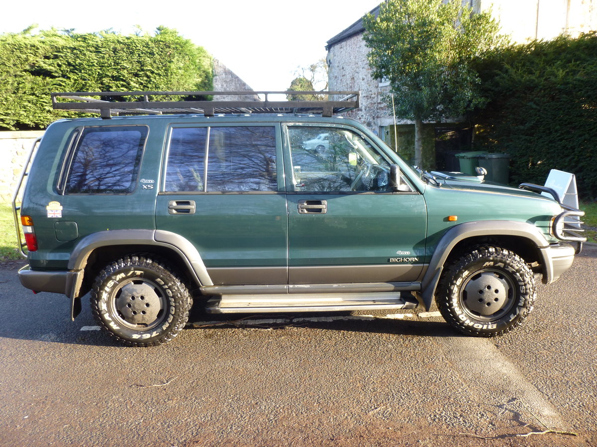 1996 Isuzu trooper very well maintained, extra kit. SOLD (picture 5 of 6)