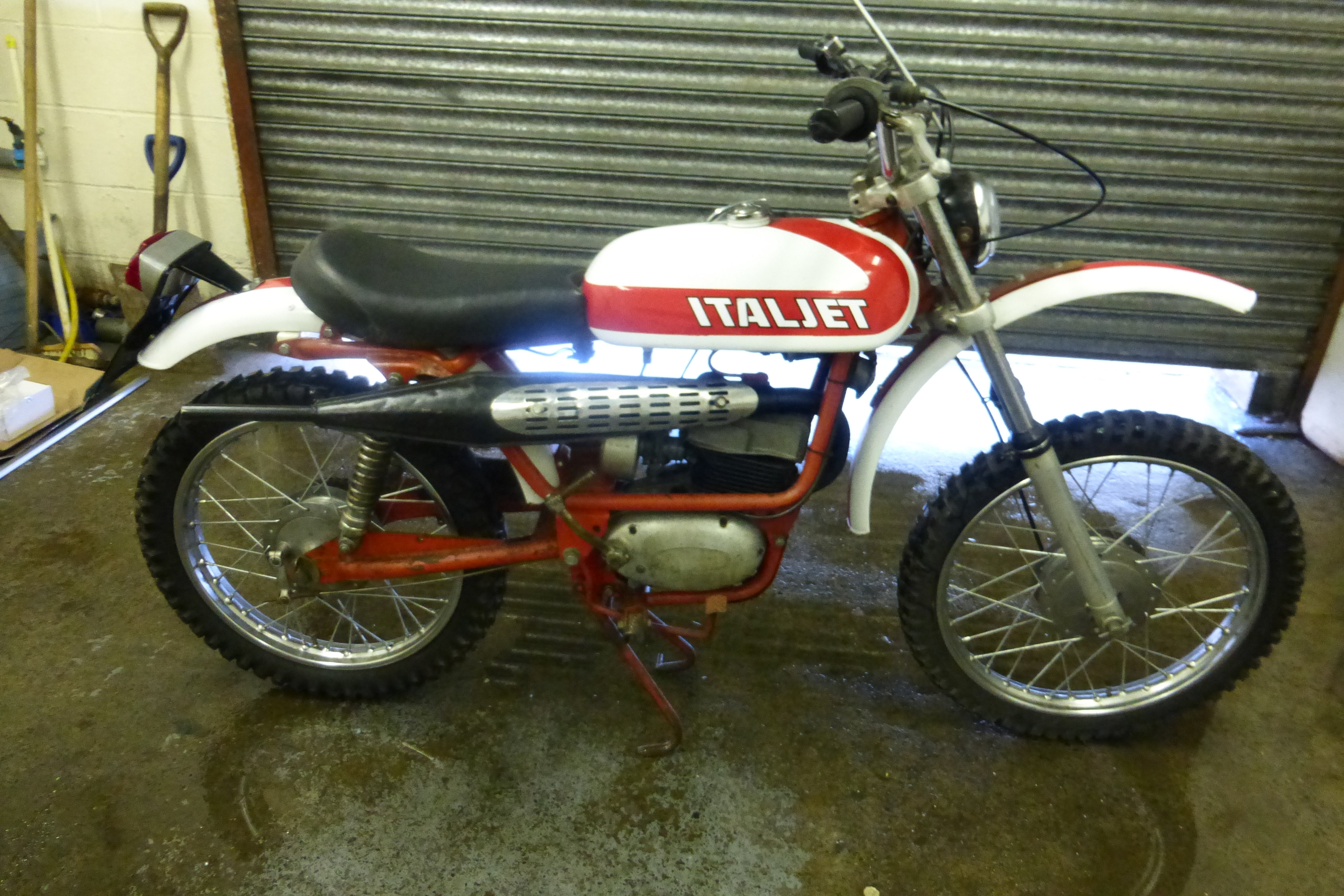 1900 Classic Italijet 100cc For Sale (picture 2 of 3)