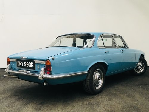 1971 JAGUAR XJ6 4.2 SERIES 1 ONE - STUNNING SOLD (picture 4 of 6)