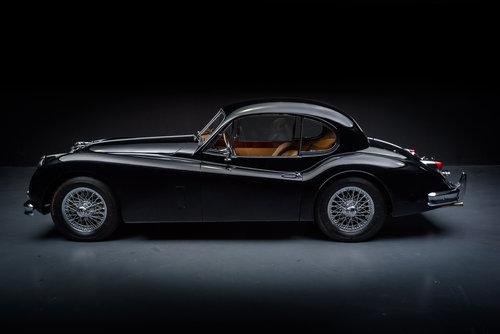 Jaguar XK140 FHC 1956 For Sale (picture 2 of 6)