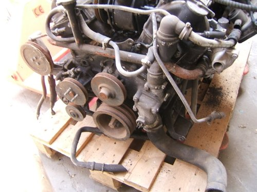 1981 Jaguar/Daimler V12 HE engine and auto box For Sale (picture 4 of 4)