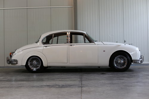 1963 Fastidiously maintained over the last 30 years Jaguar MK II  SOLD (picture 6 of 6)