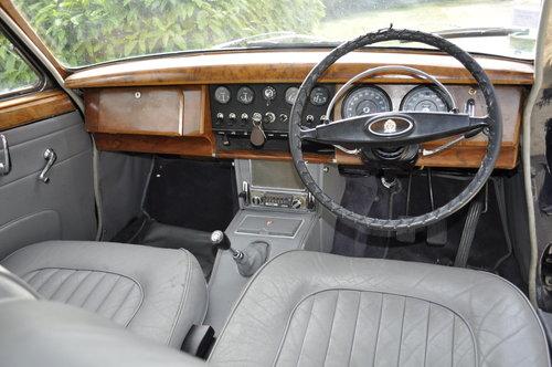 JAGUAR MK2 2.4L 1967 SOLD by Auction (picture 3 of 6)