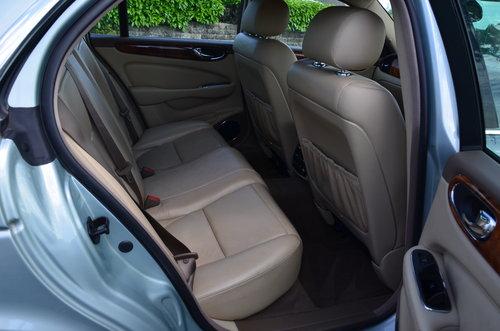 2005 Jaguar XJ 8 SE Alloy bodied  For Sale (picture 5 of 6)