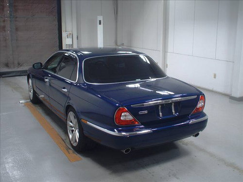 2003 Jaguar X350 XJ8 Only 43k from new with FSH For Sale (picture 3 of 4)