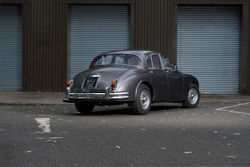 Newly rebuilt Jaguar Mk2s to high and bespoke specification For Sale (picture 2 of 6)