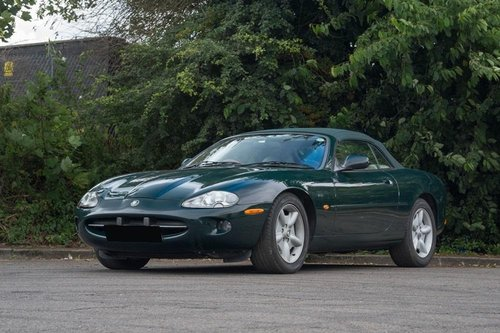 1997 JAGUAR XK8 CONVERTIBLE BRG/DOESKIN 62k Miles For Sale (picture 2 of 6)