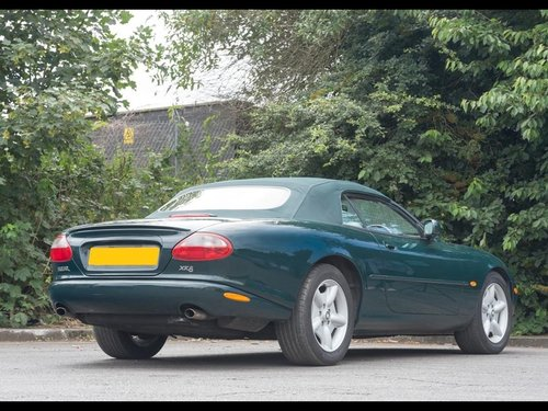 1997 JAGUAR XK8 CONVERTIBLE BRG/DOESKIN 62k Miles For Sale (picture 3 of 6)