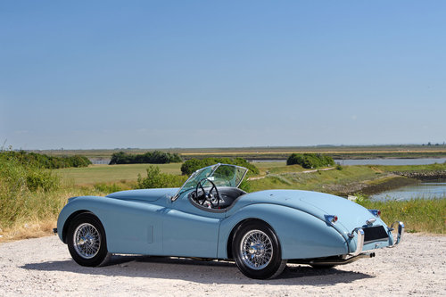 1954 JAGUAR XK120 SE ROADSTER LHD SOLD (picture 2 of 6)