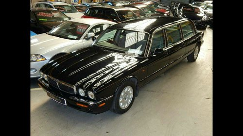 2002 Stunning limosine by eagle xj6 For Sale (picture 1 of 6)