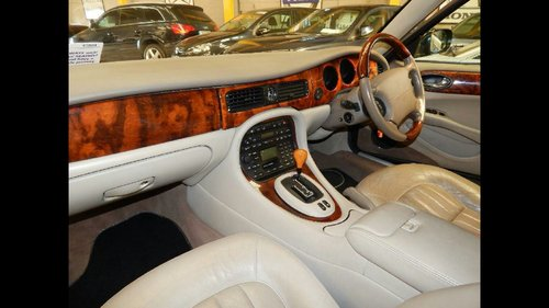 2002 Stunning limosine by eagle xj6 For Sale (picture 4 of 6)