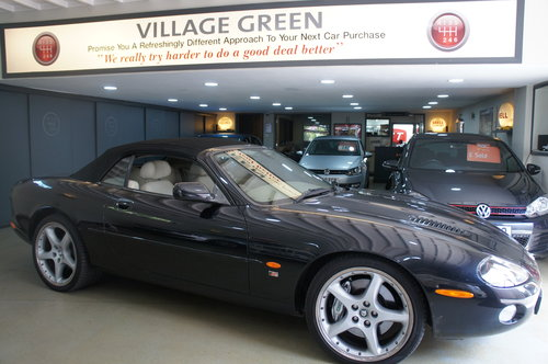 2002 Jaguar XKR 4.2 Supercharged Convertible For Sale (picture 1 of 6)