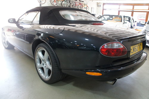 2002 Jaguar XKR 4.2 Supercharged Convertible For Sale (picture 3 of 6)