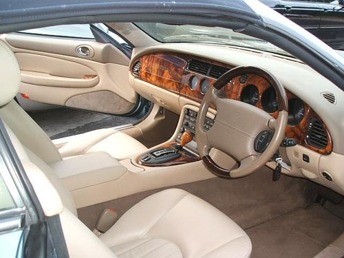 2002 Jaguar XK8 4.0 2dr Convertible For Sale (picture 3 of 6)